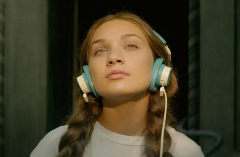 "Maddie Ziegler in Sia's ""Music"""