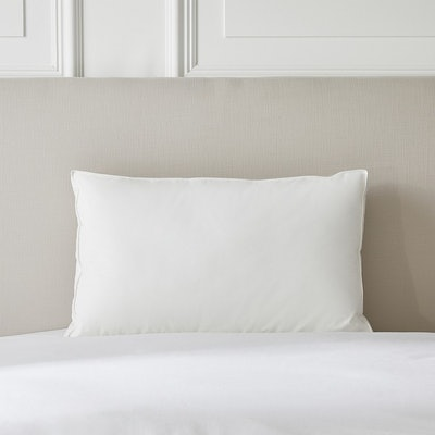 Deluxe Down Alternative Pillow