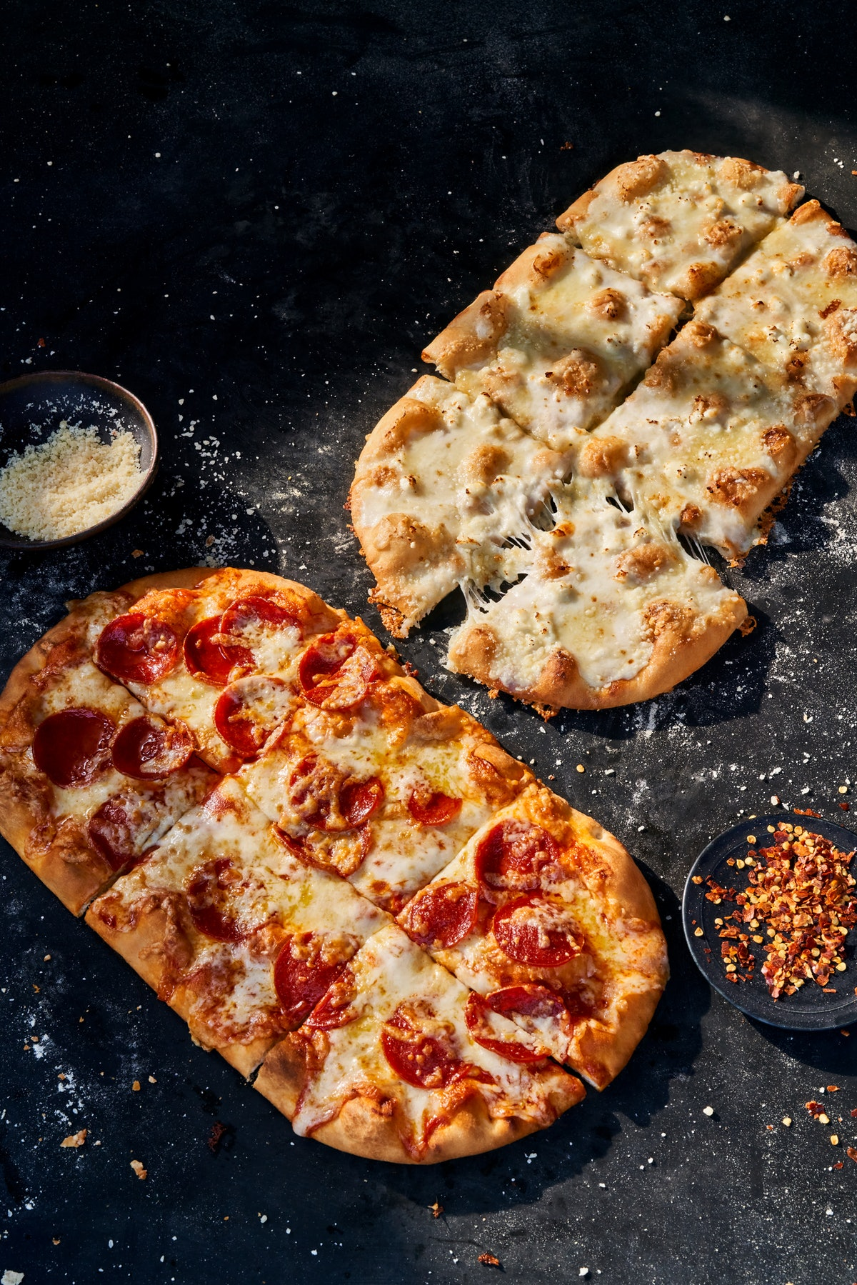 Panera's new Flatbread Pizza flavors and Family Feast deals for 2021 sound tasty.