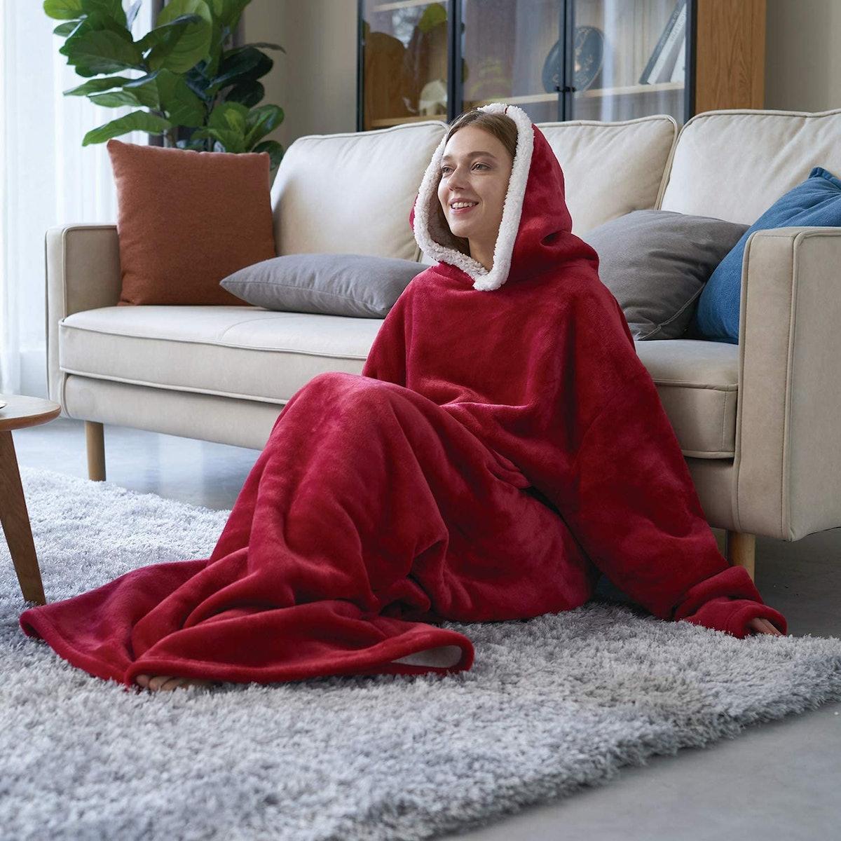 Eheyciga Blanket Hoodie with Pockets