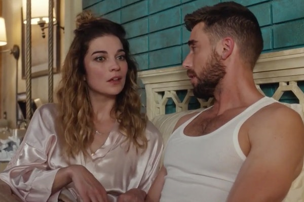 Reasons Alexis' 'Schitt's Creek' Ending Was Straight-Up Wrong