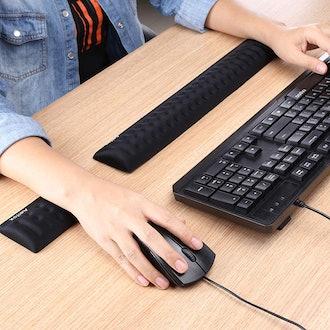 Aelfox Memory Foam Keyboard Wrist Rest