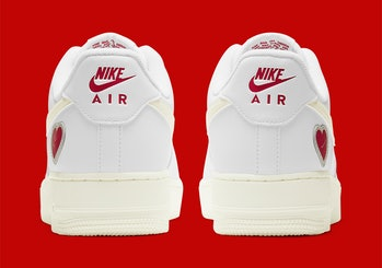 Nike Air Force 1 Valentine's Day