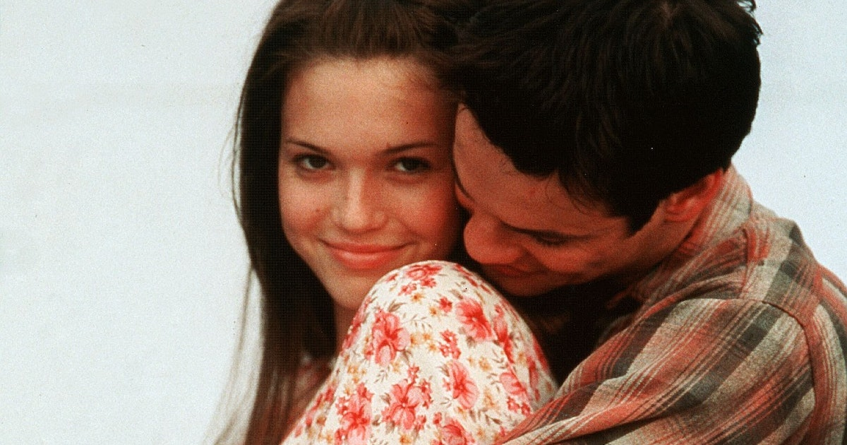 Mandy Moore Already Had Cottagecore Style Down In 'A Walk To Remember'