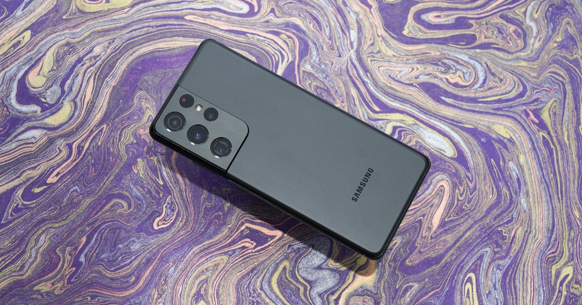 Galaxy S21 Ultra review: The iPhone 12 Pro Max gets put to shame