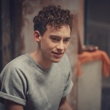 olly alexander as ritchie tozer in 'it's a sin'