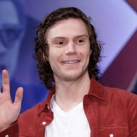 'WandaVision' theory: Evan Peters could be playing this demonic TV producer