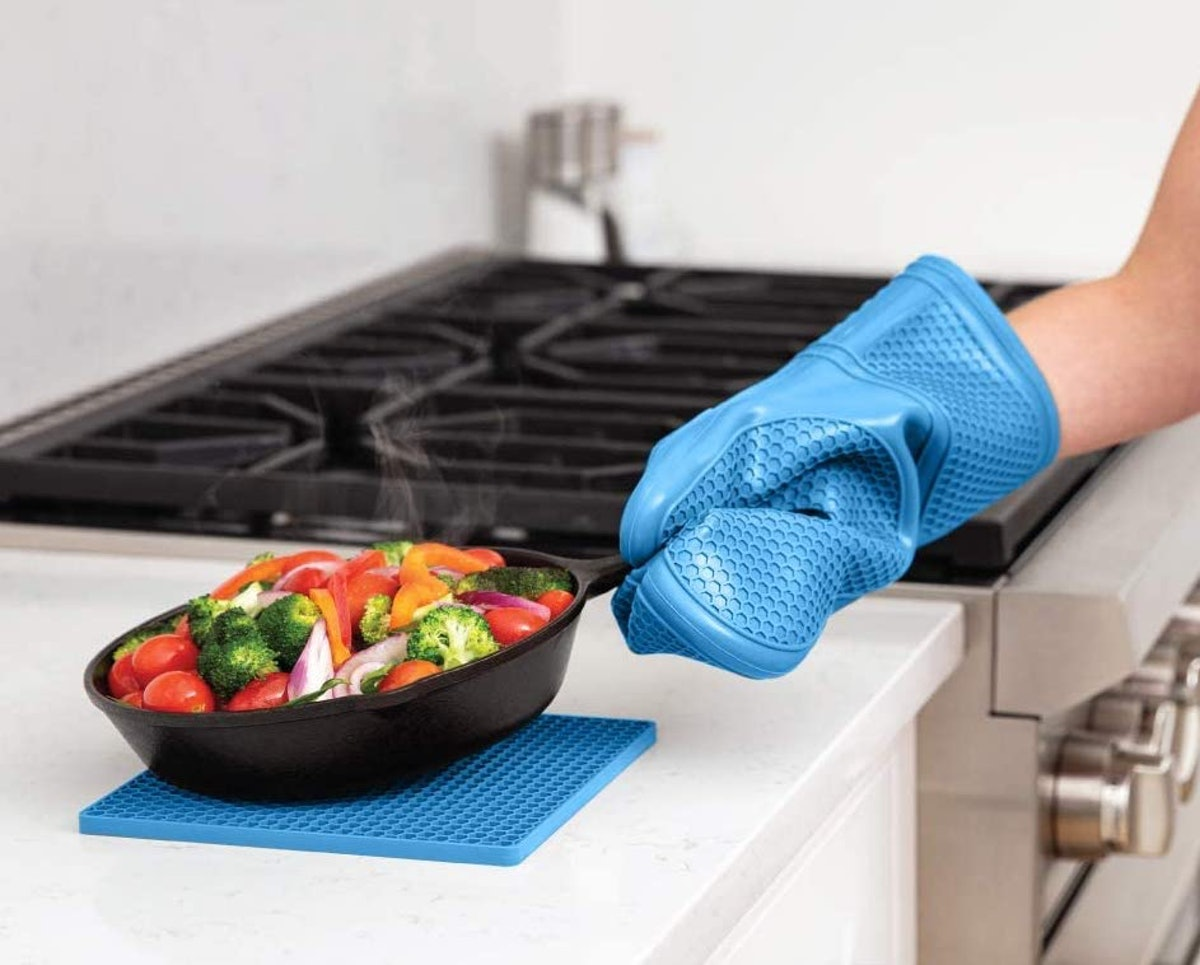 Gorilla Grip Silicone Oven Mitts and Pot Holders (Set of 4)