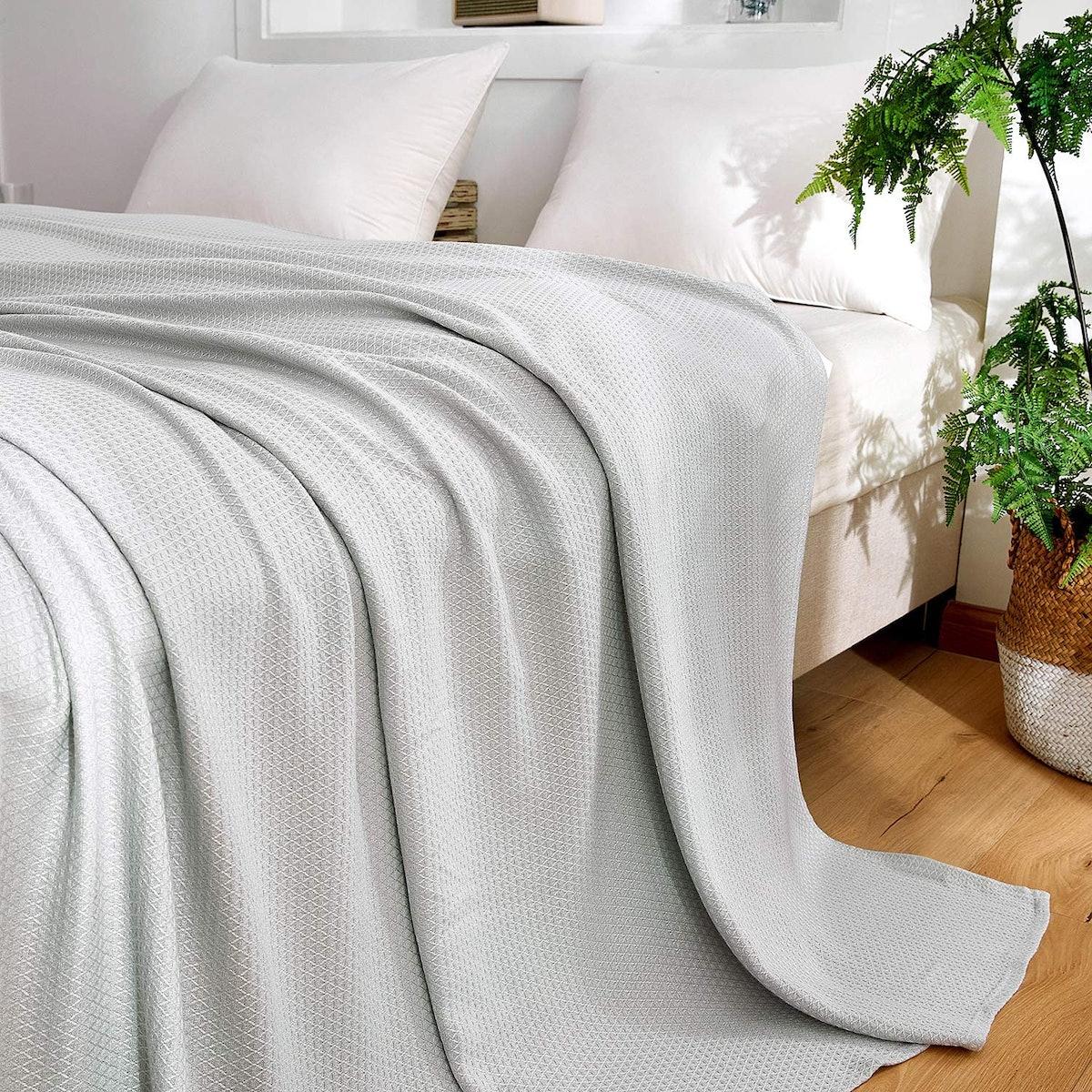 DANGTOP Cooling Blankets