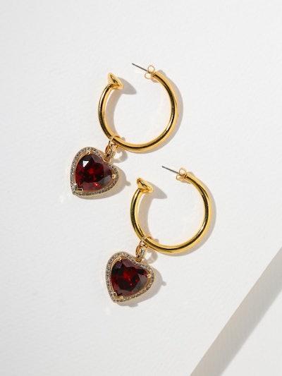 Boucles d'oreilles anneaux coeur rubis