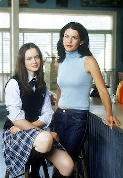 "Alexis Bledel and Lauren Graham star in Warner Bros. TV series ""The Gilmore Girls."" (Photo by Warner Bros./Delivered by Online USA)"