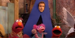 Ryan Reynolds tweeted about the time he was on 'Sesame Street' in 2010.‹