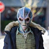'Resident Alien' Syfy release date, cast, trailer, streaming for Alan Tudyk's sci-fi show