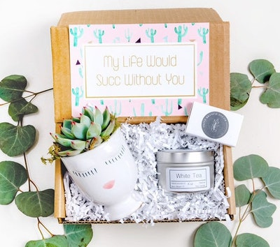 OliveBranchDecor Co Best Friend Gift Box