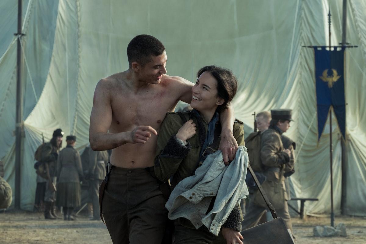 """Jessie Mei Li as Alina Starkov and Archie Renaux as Malyen """"Mal"""" Oretsev in Netflix's Shadow & Bone"""