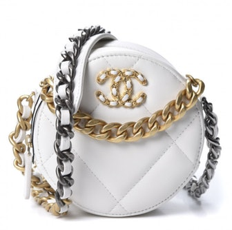 Goatskin Quilted 19 Round Clutch With Chain White
