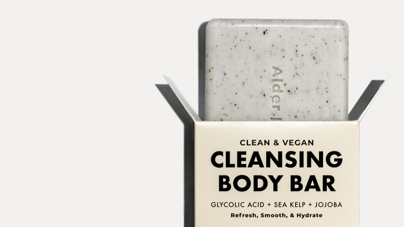 Glycolic acid for body care: pros, cons, best products.