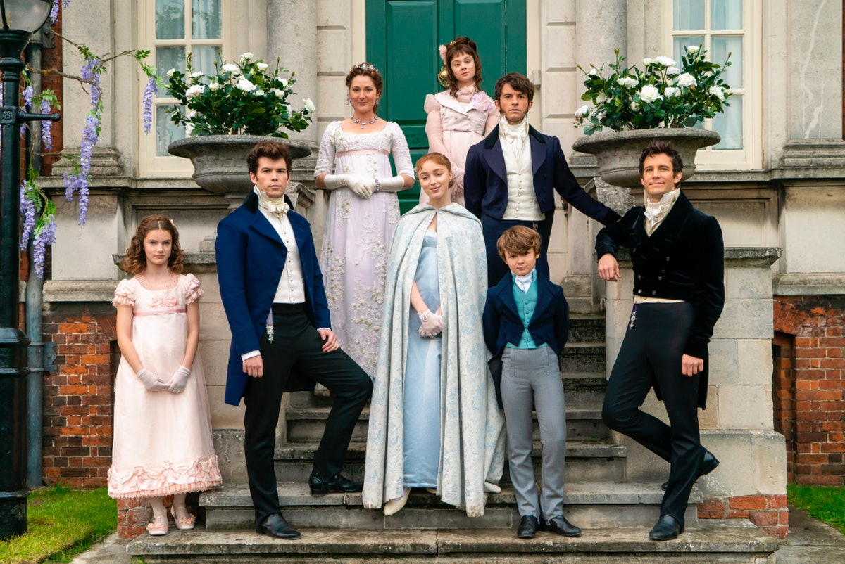 The Bridgerton family in a cast photo for the new Netflix series.