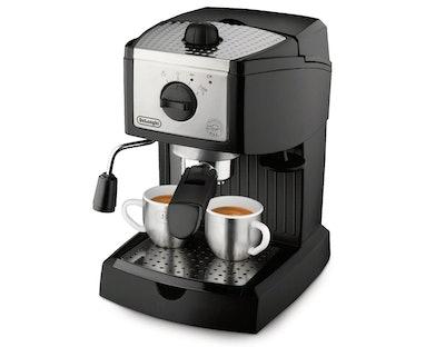 De'Longhi 15 Bar Pump Cappuccino Maker