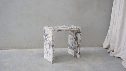 Calacatta Nero Quartz Ferro Table