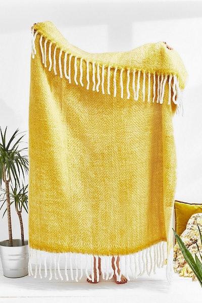 Cosy throw blanket