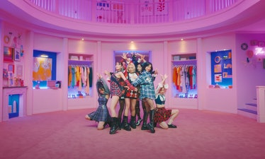 """TWICE's """"The Feels"""" music video."""