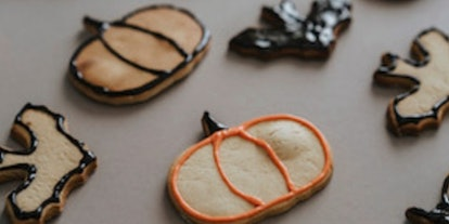 Join in for a Halloween-themed cookie decorating class on Eventbrite.