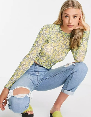 Jules wears a daisy-print shirt on 'Euphoria.'
