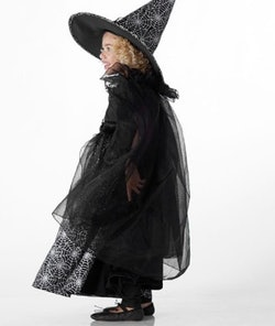 kid in wizard costume