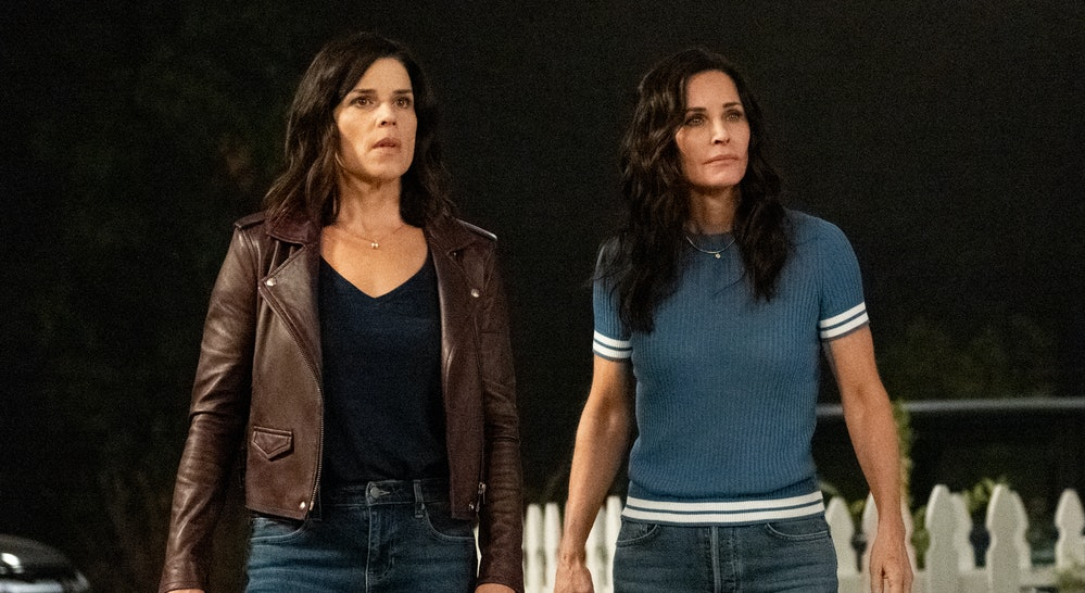 Neve Campbell and Courteney Cox standing side-by-side again in Scream