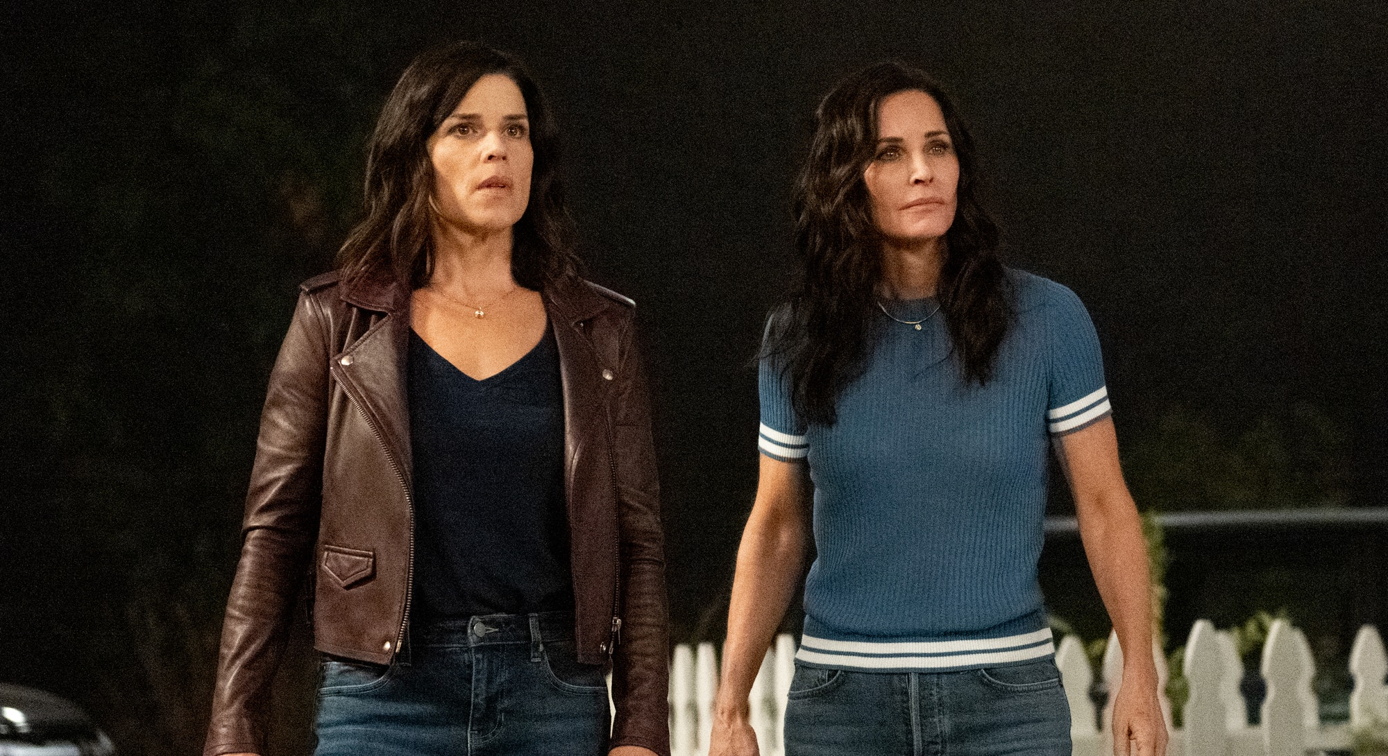 screenshot of Neve Campbell and Courteney Cox in Scream trailer