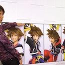 Sakurai leaning with Sora outfits