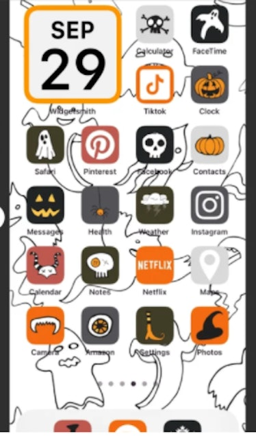 These new Halloween iOS Home Screen iPhone ideas are ideal for spooky season.