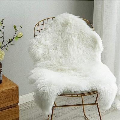 Carvapet Luxury Soft Faux Sheepskin Chair Cover