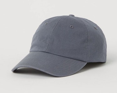 Joe Golberg wears a gray cap on 'You.'