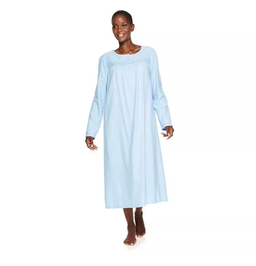 Dors Gardner wears a light blue nightgown on 'AHS: Double Feature.'