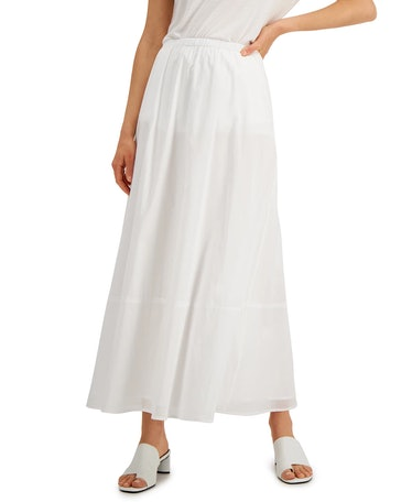 Maria Wycoff wears a long white skirt on 'AHS: Double Feature.'