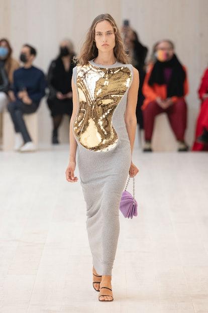 LOEWE maxi dress Spring/Summer 2022.