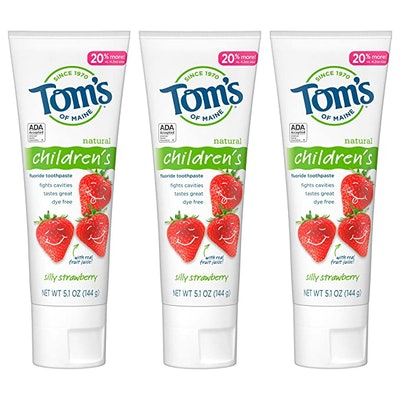 Tom's of Maine Natural Children's Fluoride Toothpaste, Silly Strawberry (3-Pack)