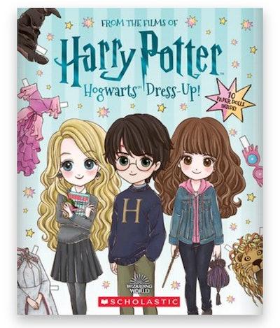 Cover art for 'Harry Potter: Hogwarts Dress-Up!'