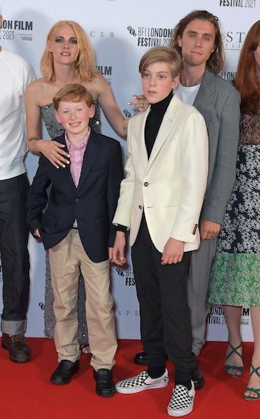 """کریستن استوارت ، فردی اسپری ، جکی نیلن و جک فرثینگ در اولین نمایش بریتانیا شرکت کردند """"اسپنسر"""""""
