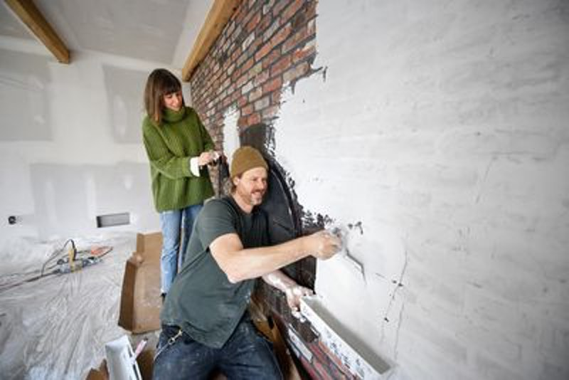 Leanna and Steve Ford on 'Restored by the Fords' via HGTV Press Site