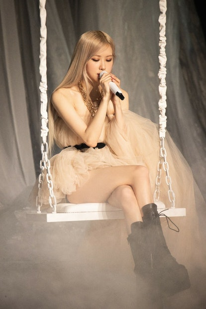 Rosé's long-awaited solo debut performance was vulnerable and tender.