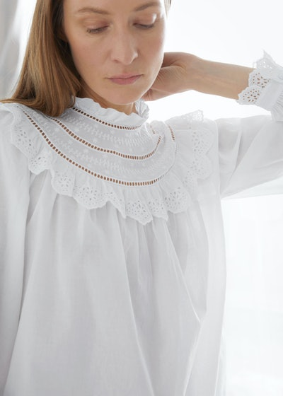 A-Line Ruffle Embroidery Blouse