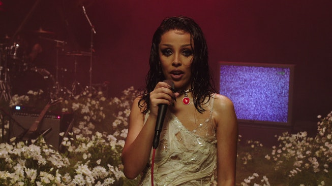"""Doja Cat's """"Say So"""" performance at the 2020 MTV EMA's was nu-metal inspired."""