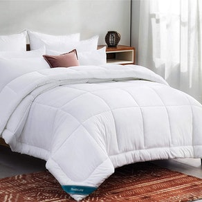 Bedsure Queen Comforter