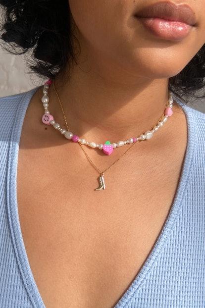 Hola Amor Estudios Summer Camp Necklace