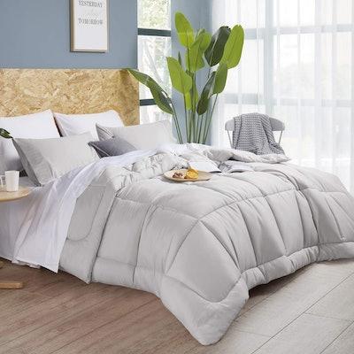 Bedsure Down Alternative Comforter