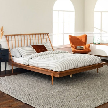 Queen Mid-Century Modern Solid Wood Spindle Bed