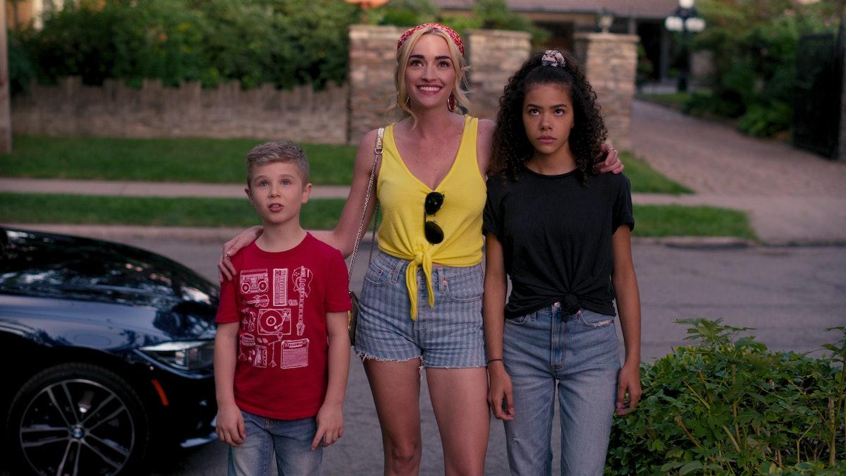 Austin Miller, (Diesel La Torraca), Georgia (Brianne Howey), and Ginny Miller (Antonia Gentry) in Ne...